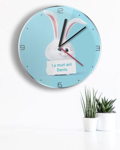 Ceas personalizat model cu iepuras pentru copii.