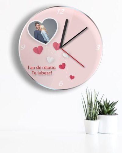 Ceas personalizat pentru indragostiti cu o poza si text.